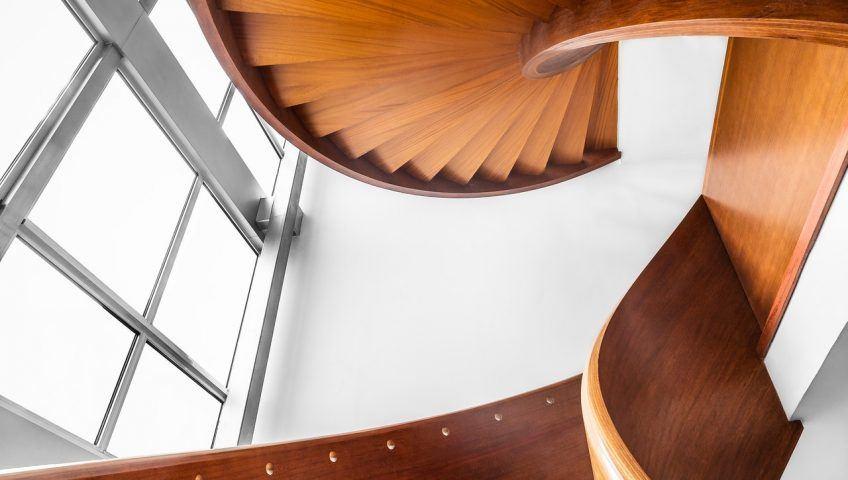Escaleras de caracol ¿qué ventajas tienen?
